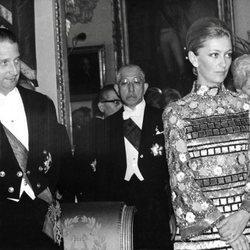Alberto y Paola de Bélgica durante una cena de gala