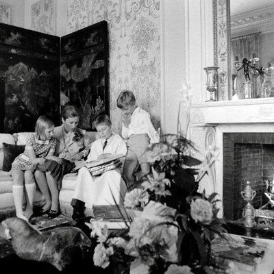 Alberto y Paola de Bélgica con sus tres hijos
