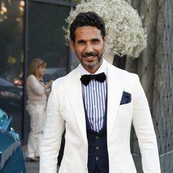 Óscar Higares llegando a la Gala Solidaria contra el Cáncer de Elle