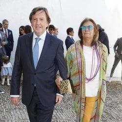 Curro Vázquez y Pati Dominguín en el bautizo del hijo de Cayetano Rivera y Eva González