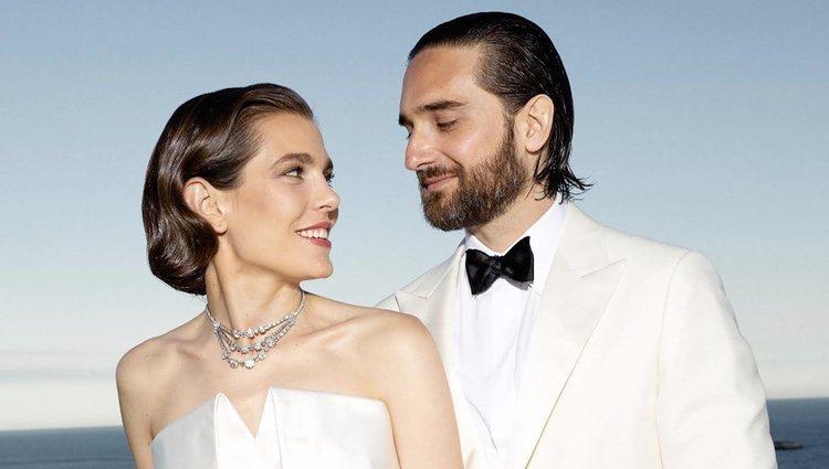 Posado oficial Carlota Casiraghi y Dimitri Rassam el día de su boda civil