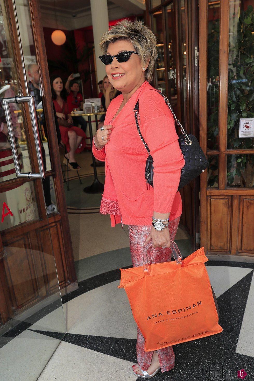 Terelu Campos llegando a la despedida de soltera de Belén Esteban
