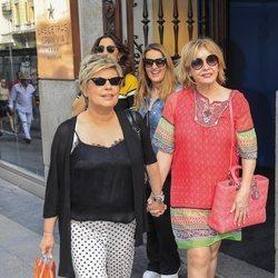 Terelu Campos y Mila Ximénez tras la despedida de soltera de Belén Esteban