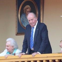 El Rey Juan Carlos y la Infanta Pilar en la corrida de toros en Aranjuez en homenaje a la Condesa de Barcelona