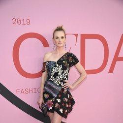 Anne Vyalitsyna en la alfombra roja de los CFDA FASHION AWARDS 2019