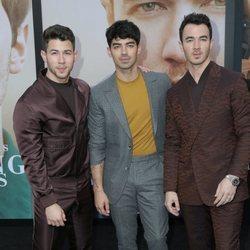 Nick, Joe y Kevin Jonas en la premiere de 'Chasing Happiness'