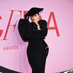 Ashley Graham en la alfombra roja de los CFDA FASHION AWARDS 2019