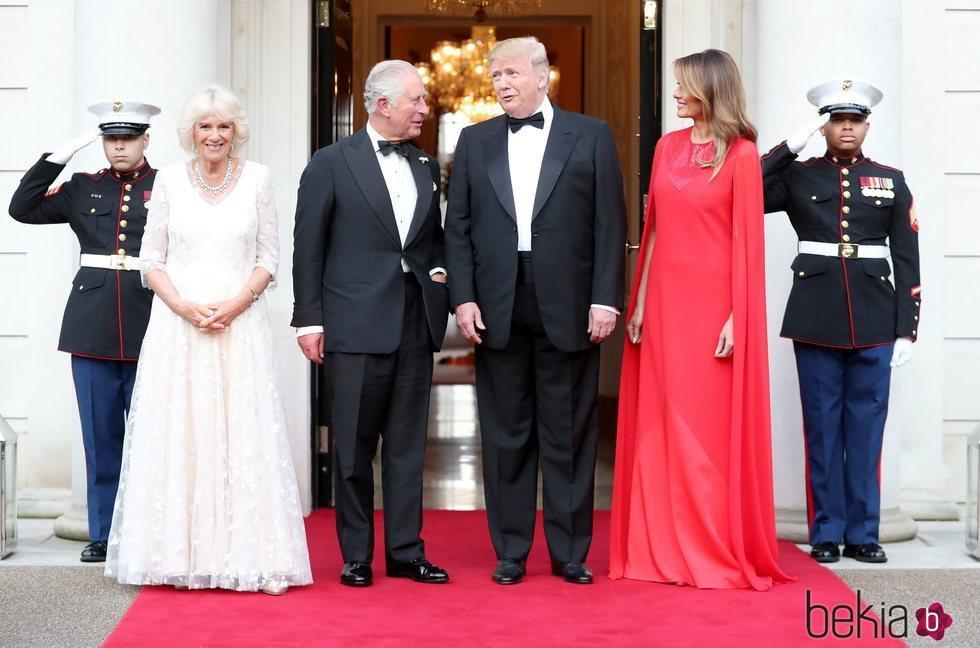 Donald y Melania Trump ofrecen una cena al Príncipe Carlos y la Duquesa de Cornualles durante su Viaje de Estado a Reino Unido
