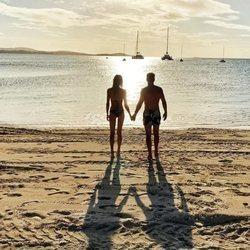 Carla Peryra y Diego Simeone disfrutando de la isla caribeña de Antigua