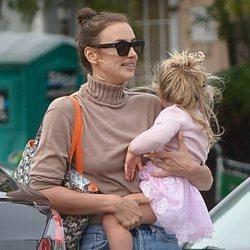 Irina Shayk con su hija Lea tras romper su relación