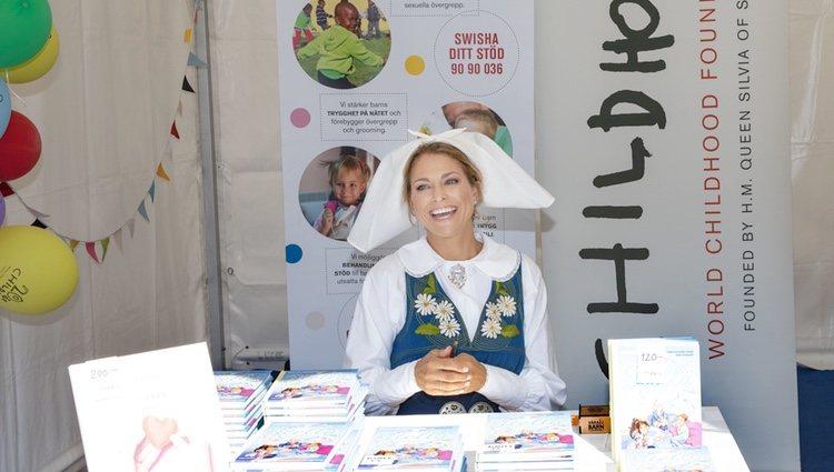 Magdalena de Suecia en la firma de su libro 'Stella y el secreto'