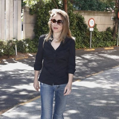 Silvia Abascal en el tanatorio de Chicho Ibañez Serrador