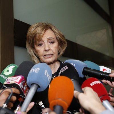 María Teresa Campos declarando durante el entierro de Chicho Ibañez Serrador