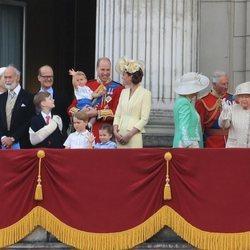 El Príncipe Luis en su primer Trooping the Colour con la Familia Real Británica