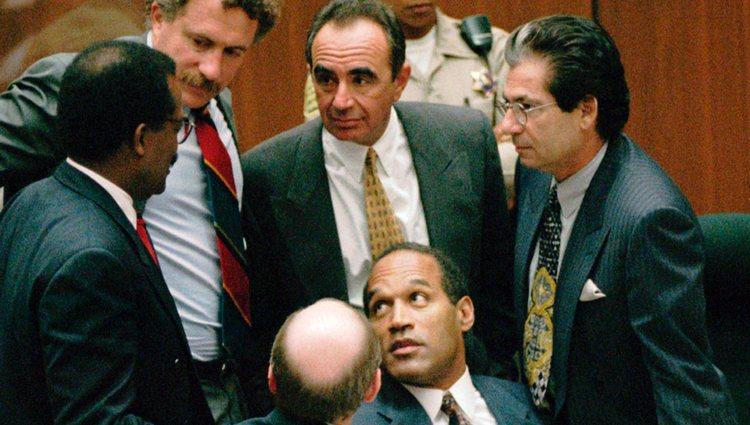 O. J. Simpson y su equipo de abogados durante el famoso juicio de 1995