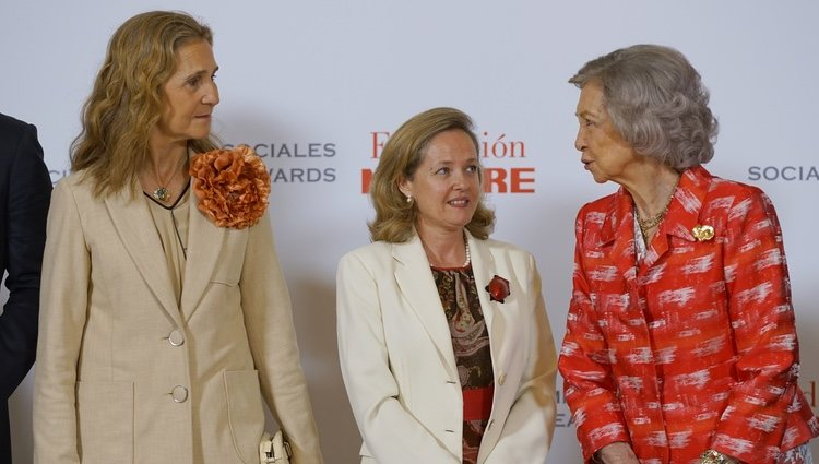 La Reina Sofía y la Infanta Elena en los Premios Fundación Mapfre 2019