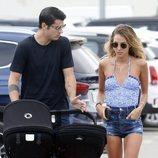 Alice Campello y Álvaro Morata de paseo por Ibiza on sus hijos