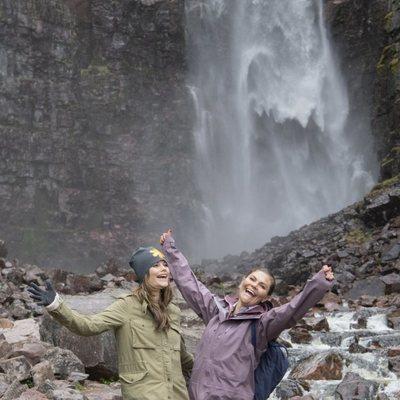 Victoria de Suecia y Sofia Hellqvist se divierten en Dalarna