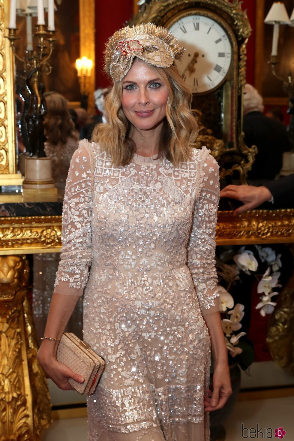 Donna Air en la fiesta de máscaras de Elephant Family Animal