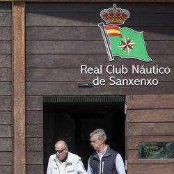 El Rey Juan Carlos de camino a las regatas de Sanxenxo