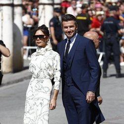 Victoria Beckham y David Beckham a su llegada a la boda de Pilar Rubio y Sergio Ramos