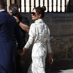 Victoria Beckham a su llegada a la boda de Pilar Rubio y Sergio Ramos