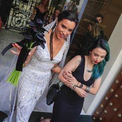 Pilar Rubio saliendo del hotel para ir a su boda con Sergio Ramos