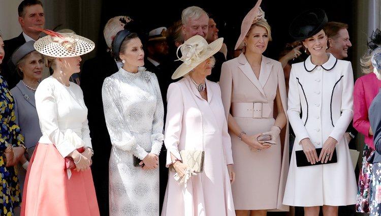 Sophie Rhys-Jones, la Reina Letizia, Camilla Parker, Máxima de Holanda y Kate Middleton en la procesión de la Orden de la Jarretera 2019