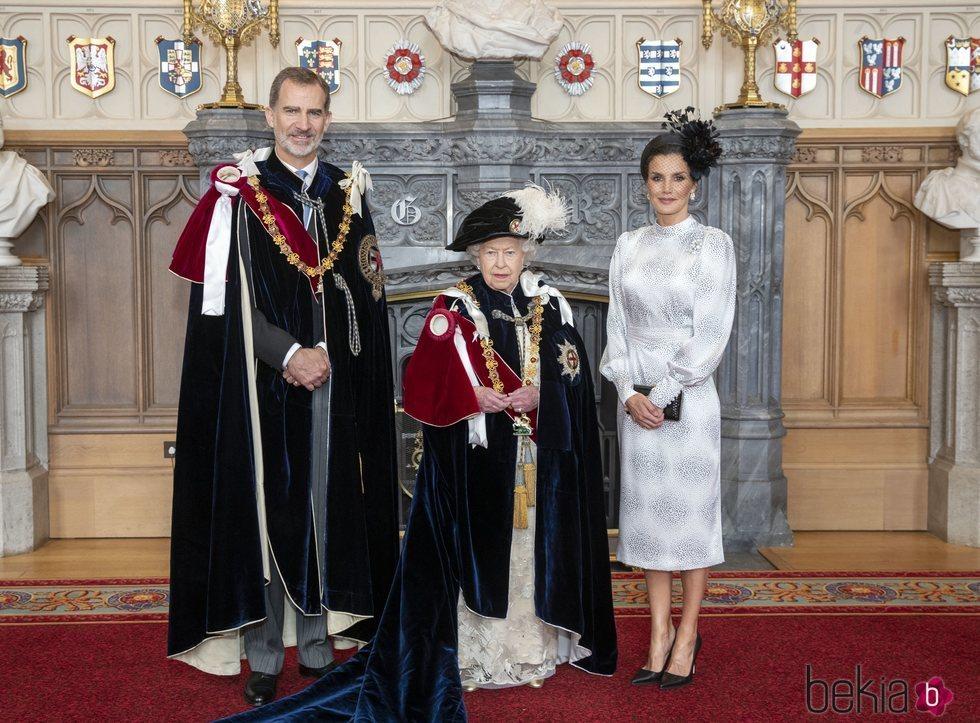 La Reina Isabel con los Reyes Felipe y Letizia en el día de la Orden de la Jarretera 2019