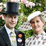 El Principe Eduardo y la Condesa de Wessex en Ascot 2019