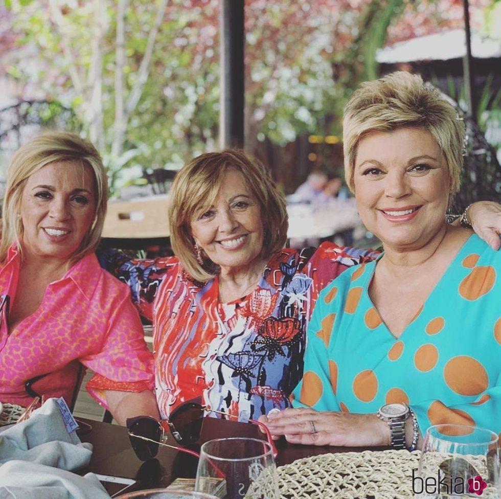 Terelu Campos, Carmen Borrego y María Teresa Campos en su cumpleaños