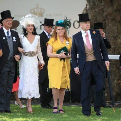 El Príncipe Andrés y Sarah Ferguson en Ascot 2019
