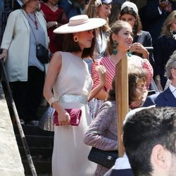 Sofía Palazuelo es fotografiada de lo más elegante en la boda de Valentina Suárez-Zuloaga