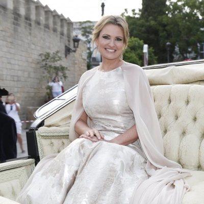Ainhoa Arteta montada en un carruaje llegando a su boda con Matías Urrea