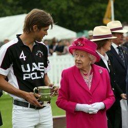 La Reina Isabel en la entrega de premios del Royal Windsor Cup