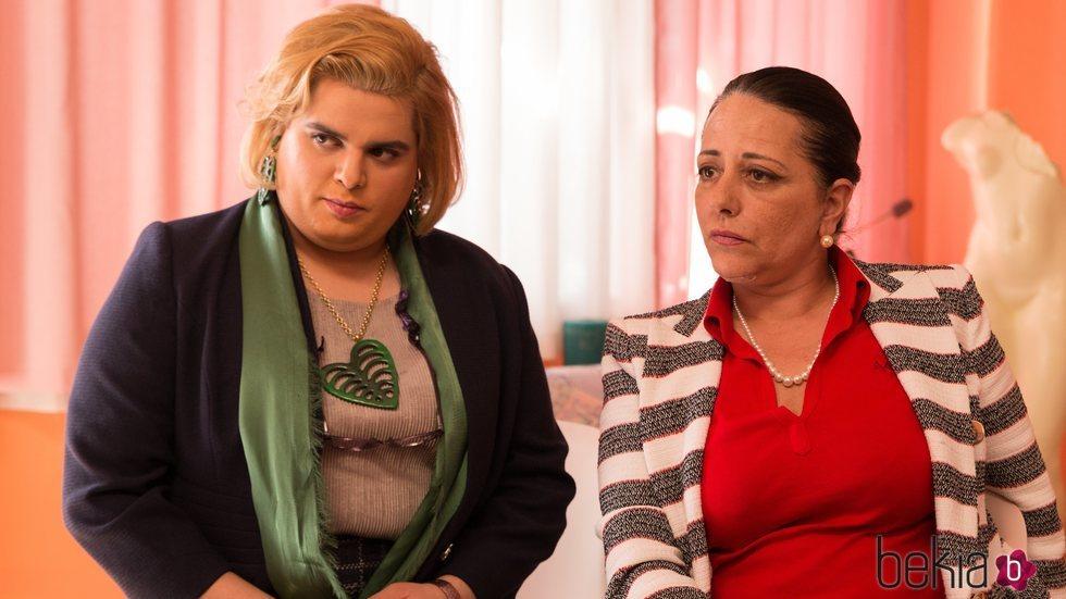 Brays Efe y Yolanda Ramos en la tercera temporada de 'Paquita Salas'