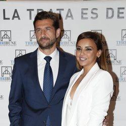 Chenoa con su novio Miguel Sánchez Encinas en una cena benéfica