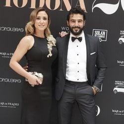 Antonio Velázquez y su novia en la 14ª edición de los premios Yo Dona Internacional