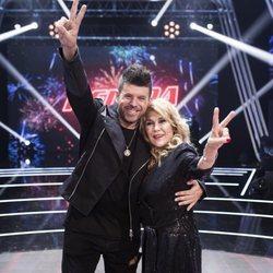 Pablo López y Helena Bianco juntos en la final de 'La Voz Senior' tras proclamarse como la primera ganadora del concurso