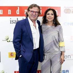 Pepe Navarro con Isabel Gemio en la presentación de 'Jóvenes invisibles'