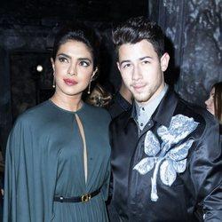 Priyanka Chopra y Nick Jonas en el desfile Alta Costura Otoño/Invierno 2019-2020 de Dior en París