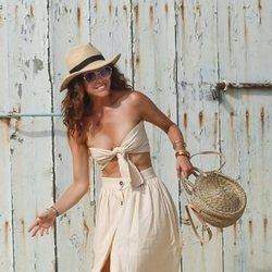 Juana Acosta divirtiéndose durante sus vacaciones de verano 2019 en Ibiza