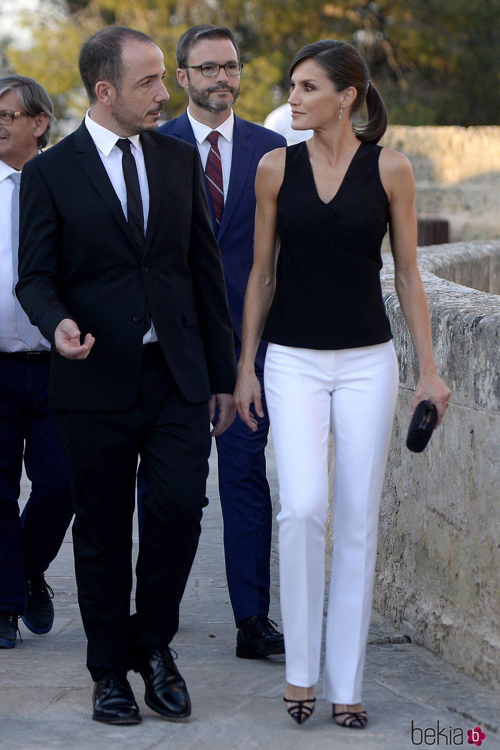 La Reina Letizia con Jaume Ripoll en la inauguración del Atlàntida Film Fest