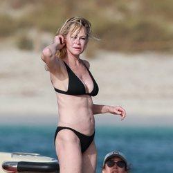 Melanie Griffith luce bikini a sus 61 años