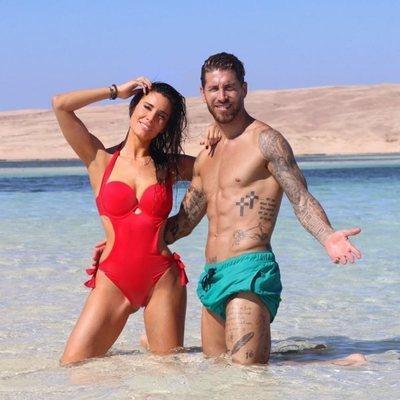 Sergio Ramos y Pilar Rubio posando durante su luna de miel en Egipto