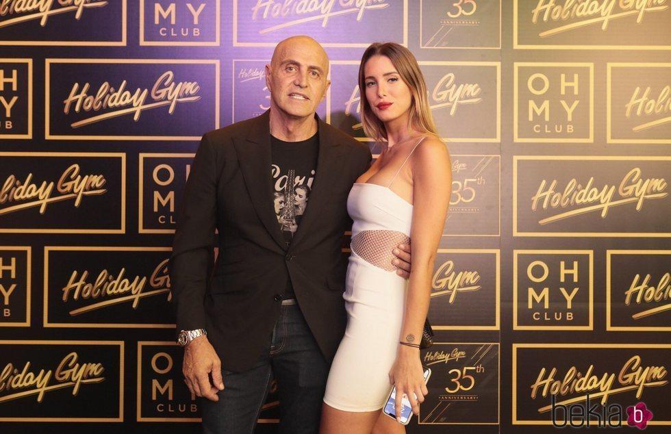 Kiko Matamoros y Marta López posando muy felices en Oh My Club