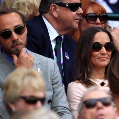 James Middleton y Pippa Middleton disfrutando de un partido de tenis en Wimbledon 2019