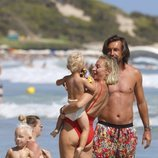 Pirlo con su pareja y sus hijos durante sus vacaciones familiares en Ibiza