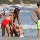 Pirlo con su mujer y su hijos durante sus vacaciones familiares en Ibiza