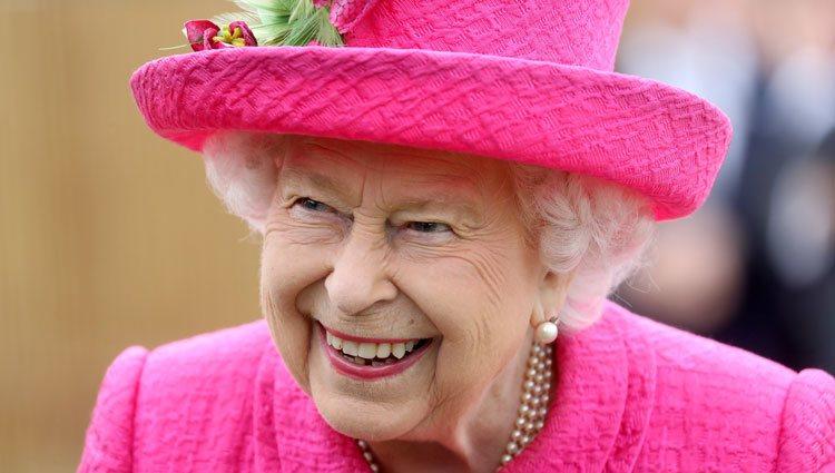 La Reina Isabel II visita el Instituto Nacional de Agricultura Botánica de Cambridge